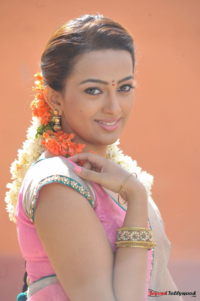 58 Best Ester Noronha images | Indian actresses ...