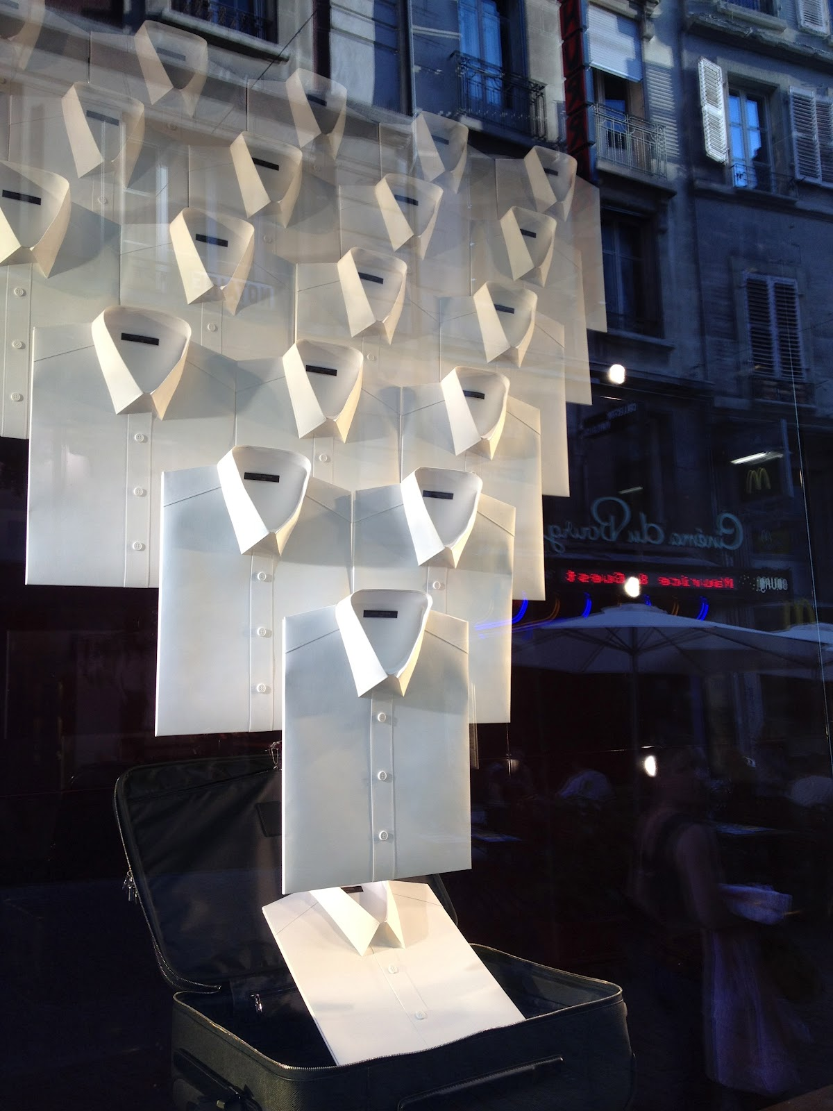 vitrines louis vuitton
