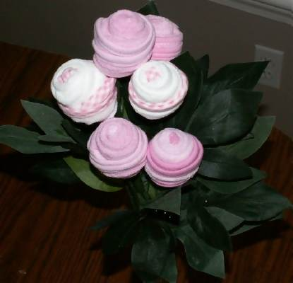 Baby wash cloth flowers wash cloth roses creative baby shower ideas