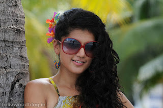 taapsee ponnu latest beautiful Pictures 015