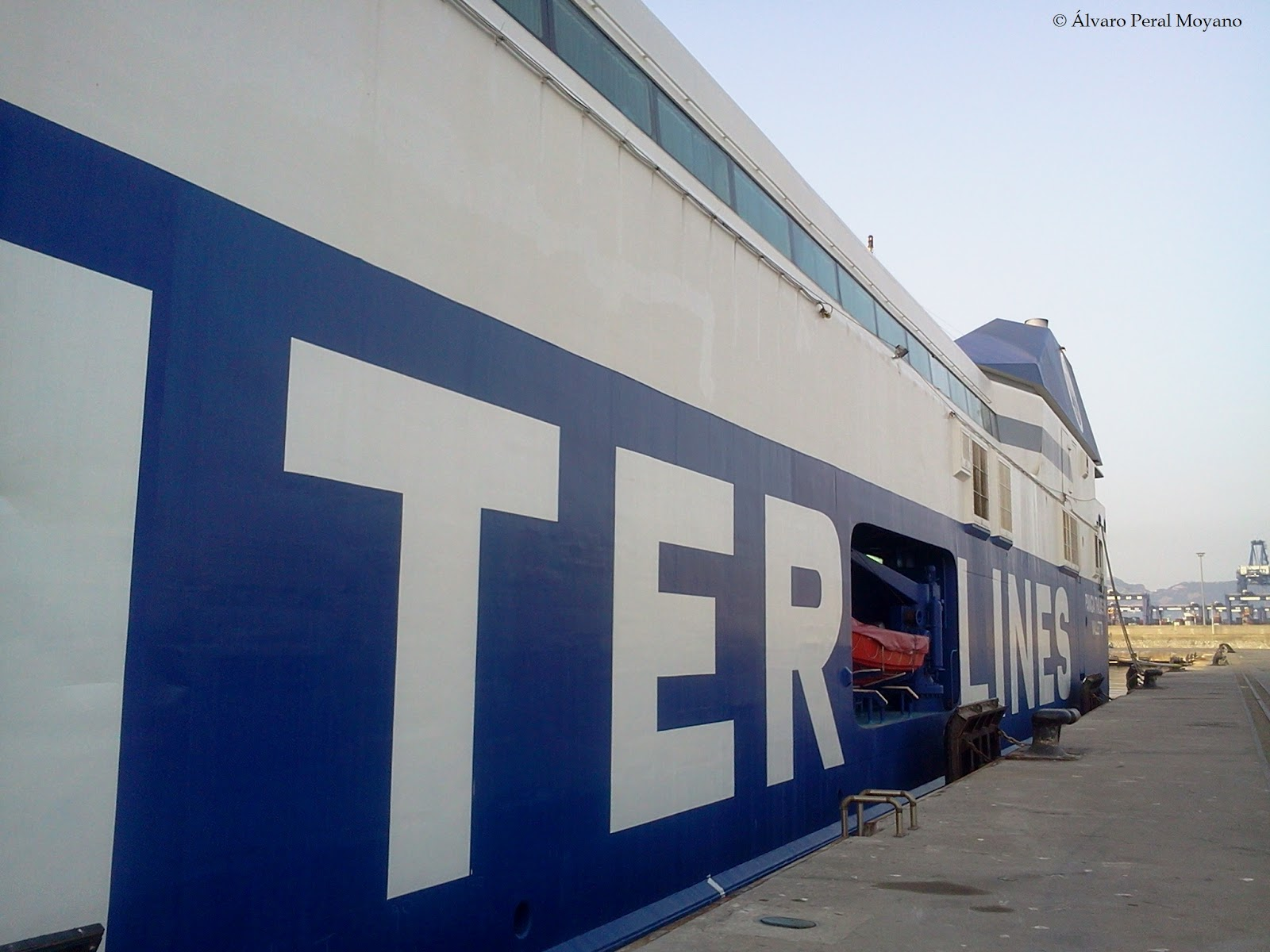 World wide ferries exclusiva la naviera griega nel lines - Chimeneas algeciras ...