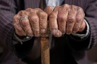 Estas manos lucharon por lo que el PSOE te está robando.