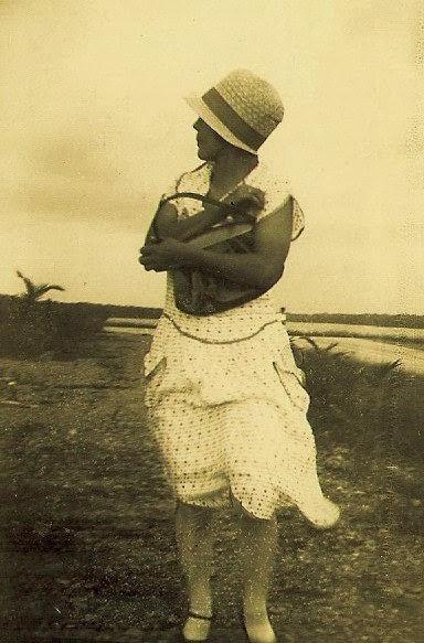 Tìa Eva, 1927.