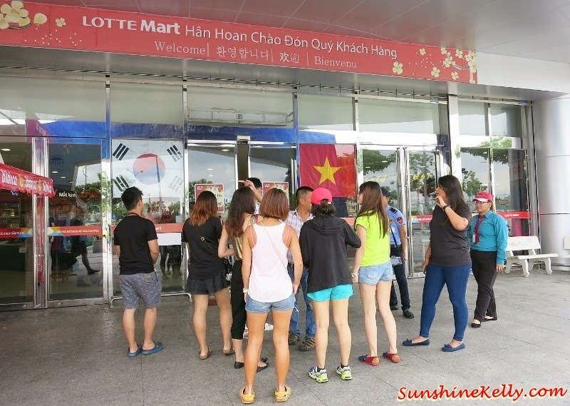 Lotte Mart Shopping Centre in Da Nang City, Lotte Mart, My Khe Beach, Da Nang, Vietnam, Dragon Bridge, Han River, Kim Do Restaurant, A La Carte Da Nang Beach