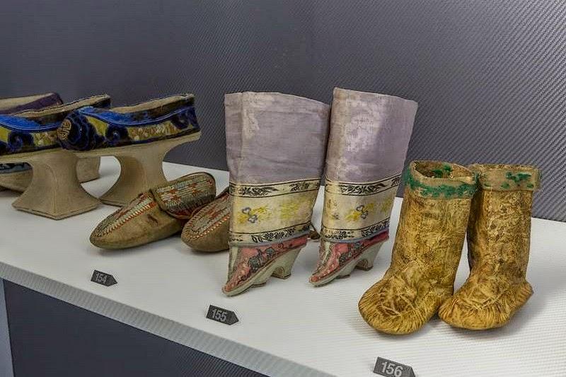 véronique chemla: l'histoire sous les pieds. 3000 ans de chaussures
