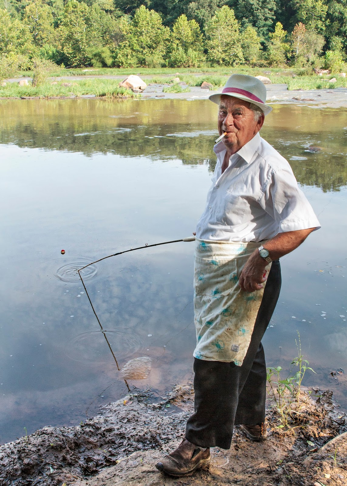 fishing essay Fishing is one of the most exciting items in my hobbies list in this world that i had always wished as a young boy to have done in the company of my father.