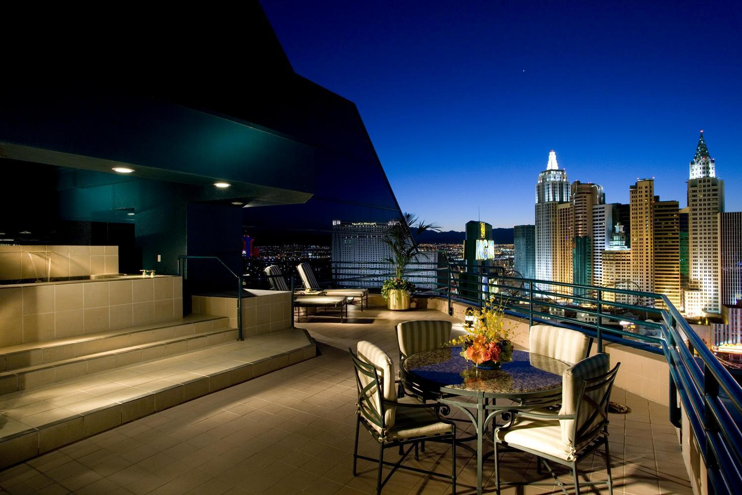 Luxury life design mgm grand skyline terrace suite for In the terrace