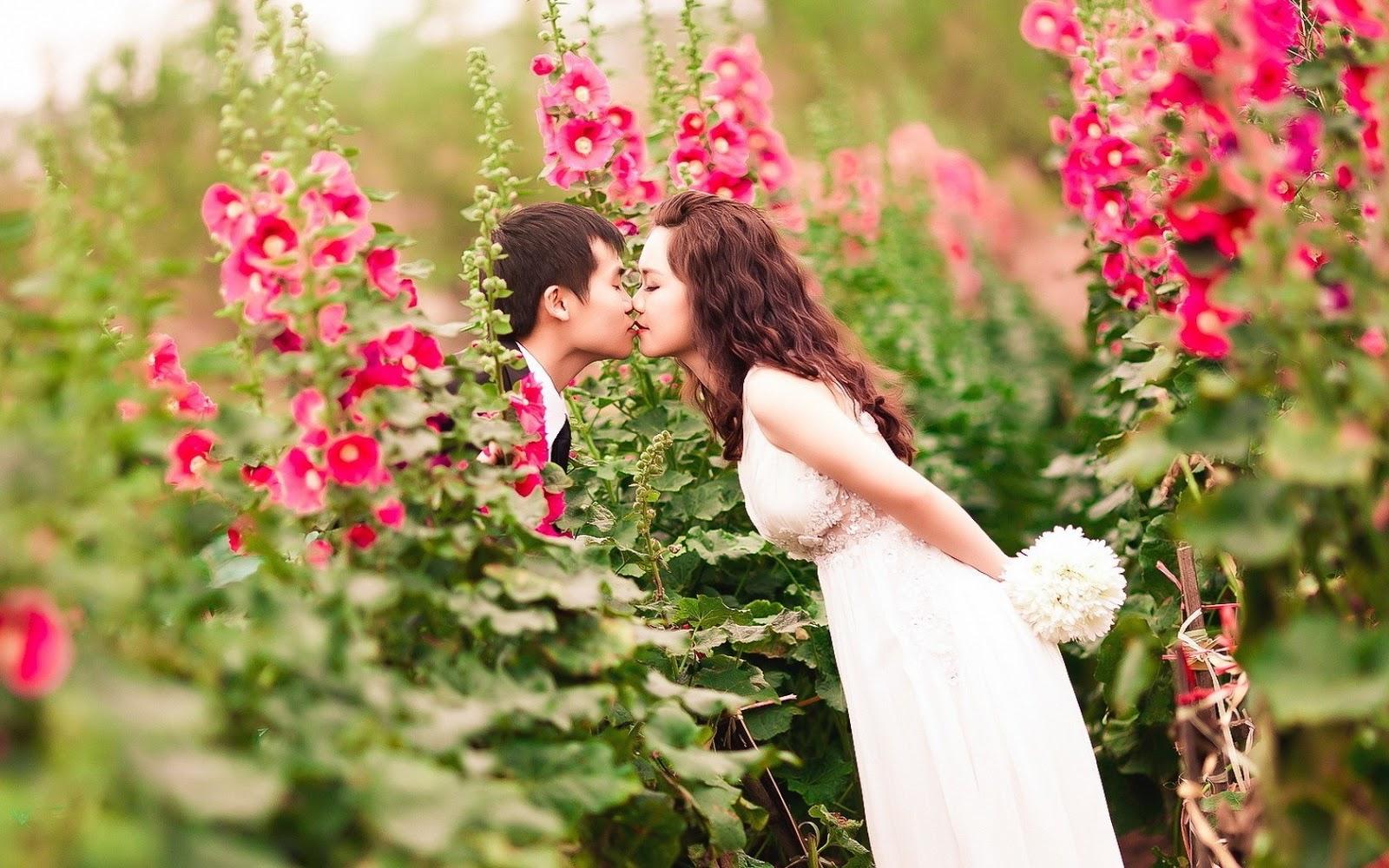 Photo Romantis Berpelukan