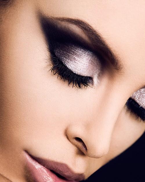 Karine Vanasse: The Best Eye Makeup Tips and Tricks