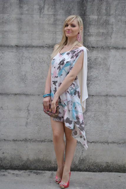 outfit abito asimmetrico abito stampato abito stampa libellule mariafelicia magno fashion blogger colorblock by felym blog di moda blogger italiane blog di moda italiani outfit estivi outfit 24 giugno 2015 outfit giugno fornarina abito fornarina scarpe fornarina borsa lobra summer dress summer outfit asymmetric dress how to wear asymmetric dress come abbinare un abito asimmetrico abito bianco abito stampato white dress how to wear white dress printed dress blonde hair blonde girls blondie legs