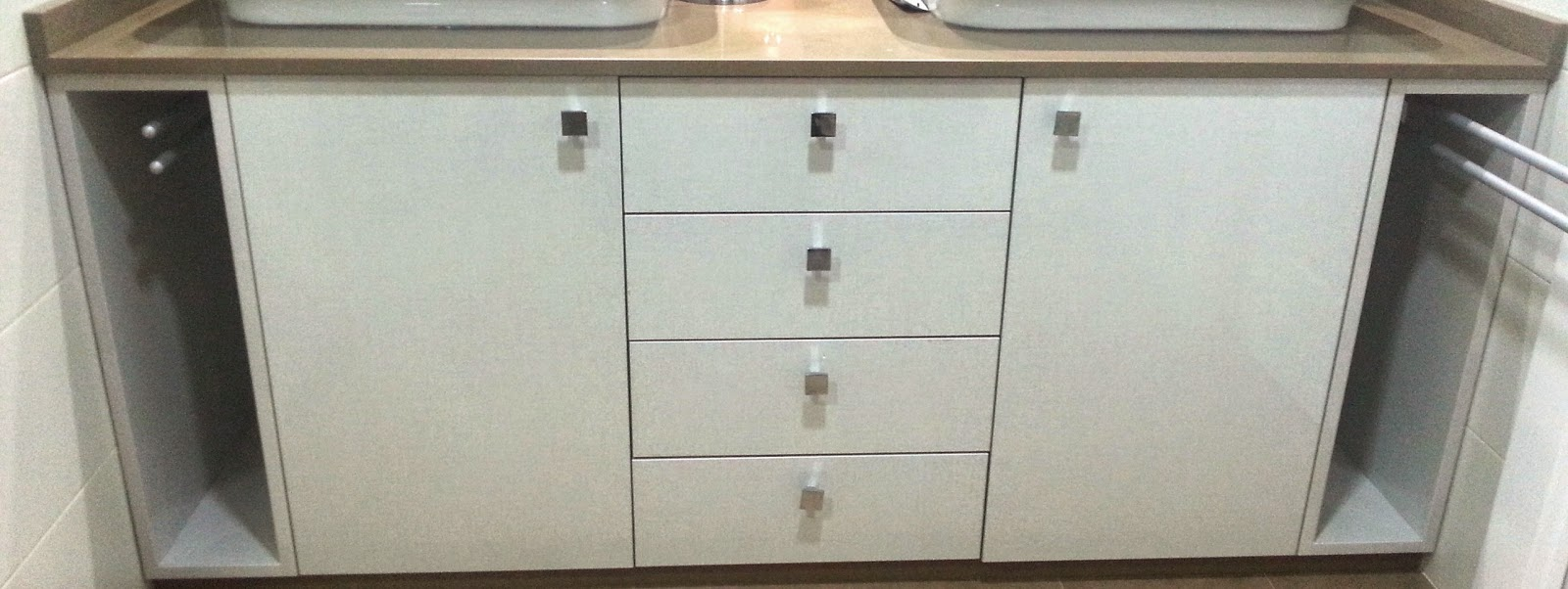 Carpinter a de dise o armarios a medida para lavabos for Armarios para lavabos