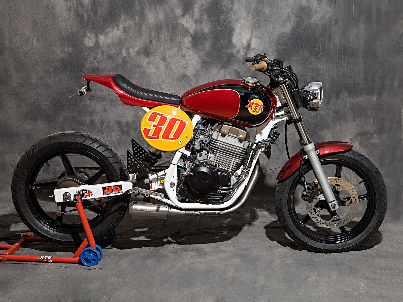 Racing Caf U00e8  Honda Cbf 250 Tracker By Xtr Pepo