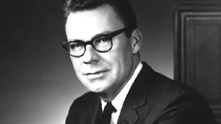 Earl-Nightingale-ley-de-atraccion