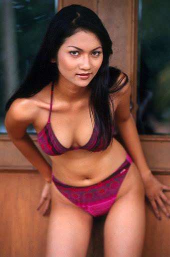 Awek Cun Pakai Bikini Body Montok melayu bogel.com