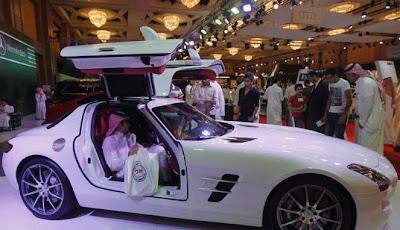 gambar mobil mewah sport keren