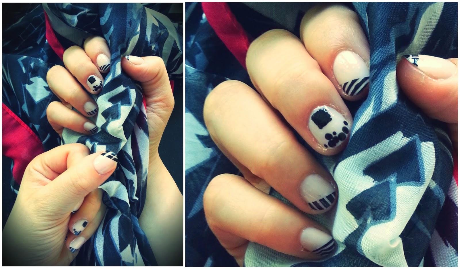 Black Stripes Nails