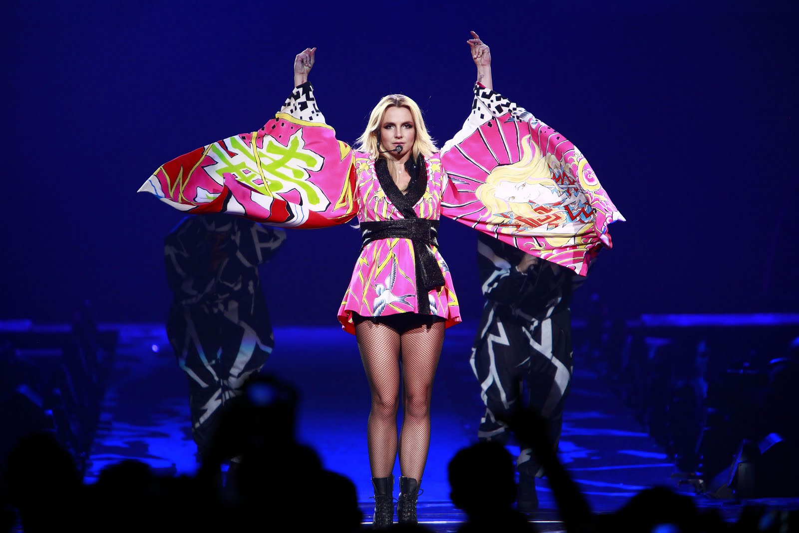 TRY SAMSURI: Britney Spears Femme Fatale Tour Britney Spears Tickets