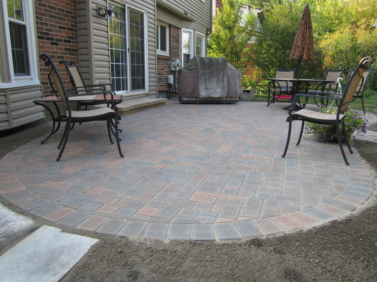 Paver patio maintenance patio design ideas - Paver designs for backyard ...