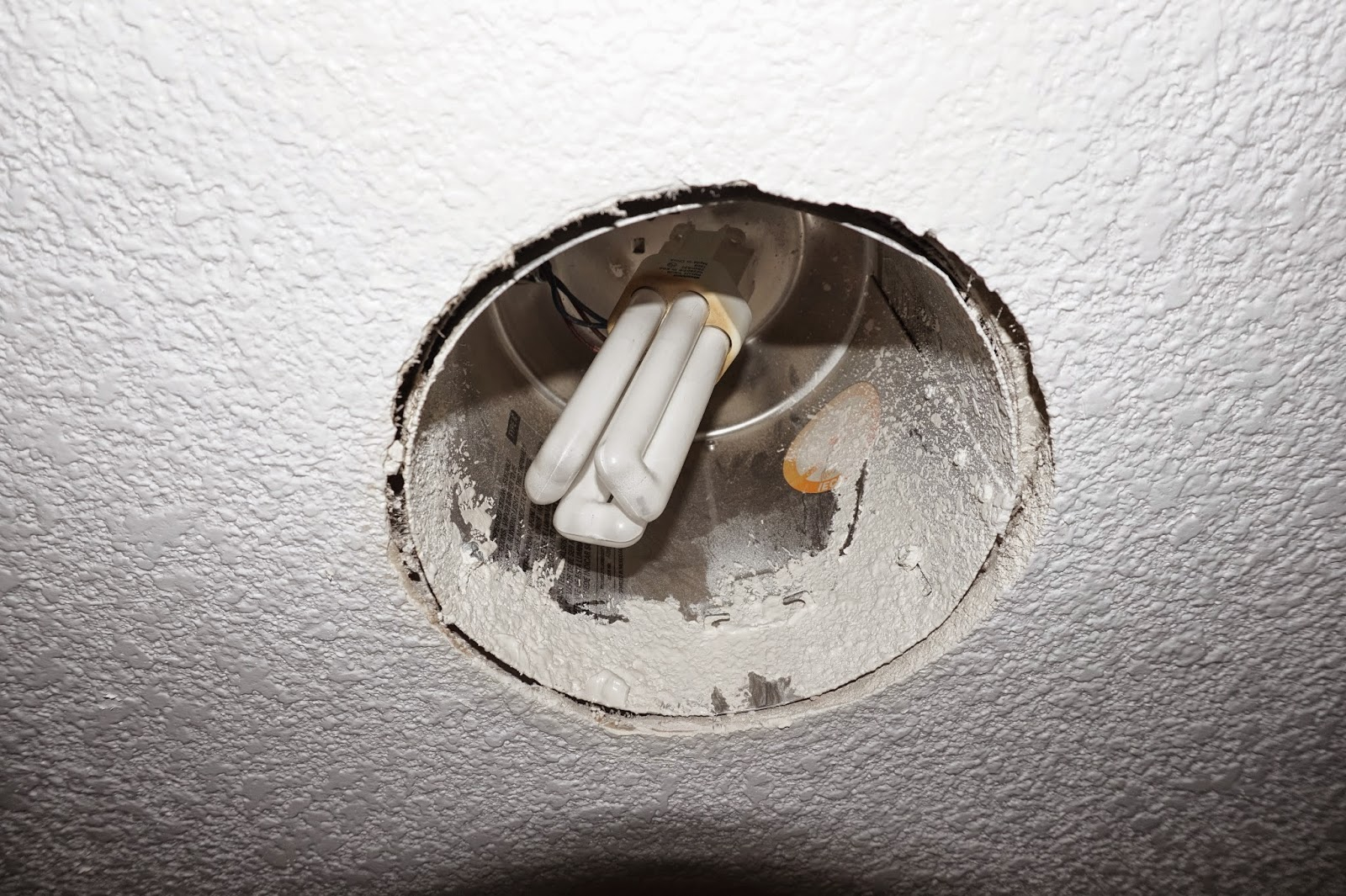 How to replace recessed lighting trim - How To Change A Cfl Recessed Lighting Fixture To A Led