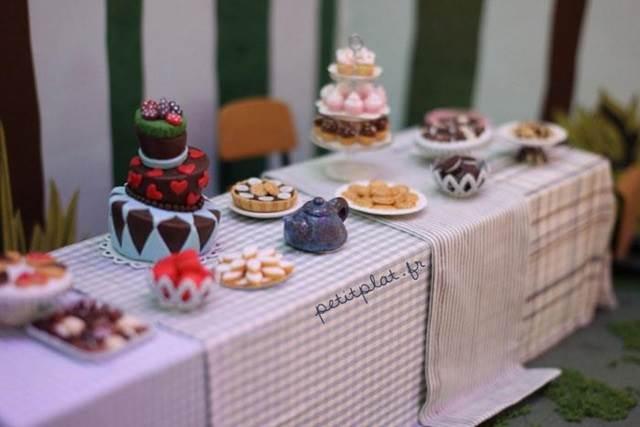 miniature set makanan