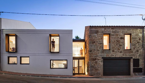 JA House by Filipe Pina
