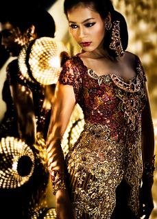 Model Kebaya Wanita