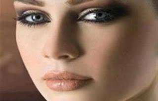 نصائح وأسرار تجميلية لتظهري أصغر سنا - مكياج العيون - ميك اب - التجميل البشرة