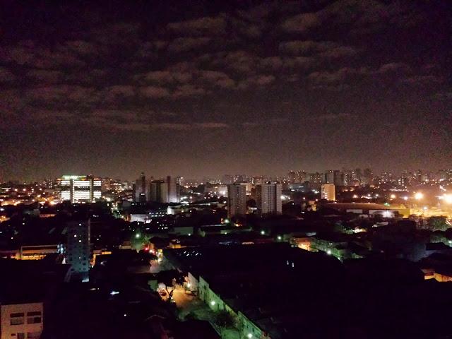 Foto noturna feita com o Galaxy S4 - 4128x3096