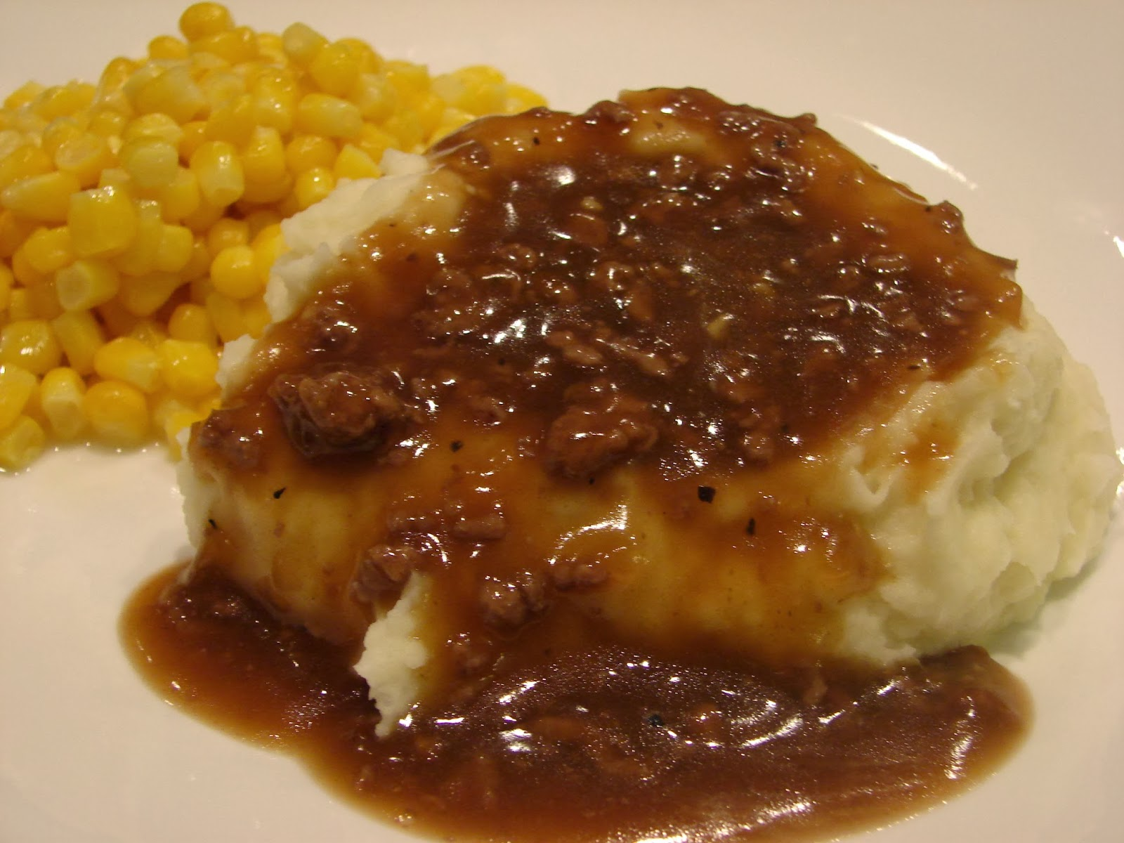 A Bear in the Kitchen: Hamburger Gravy and Mashed Potatoes