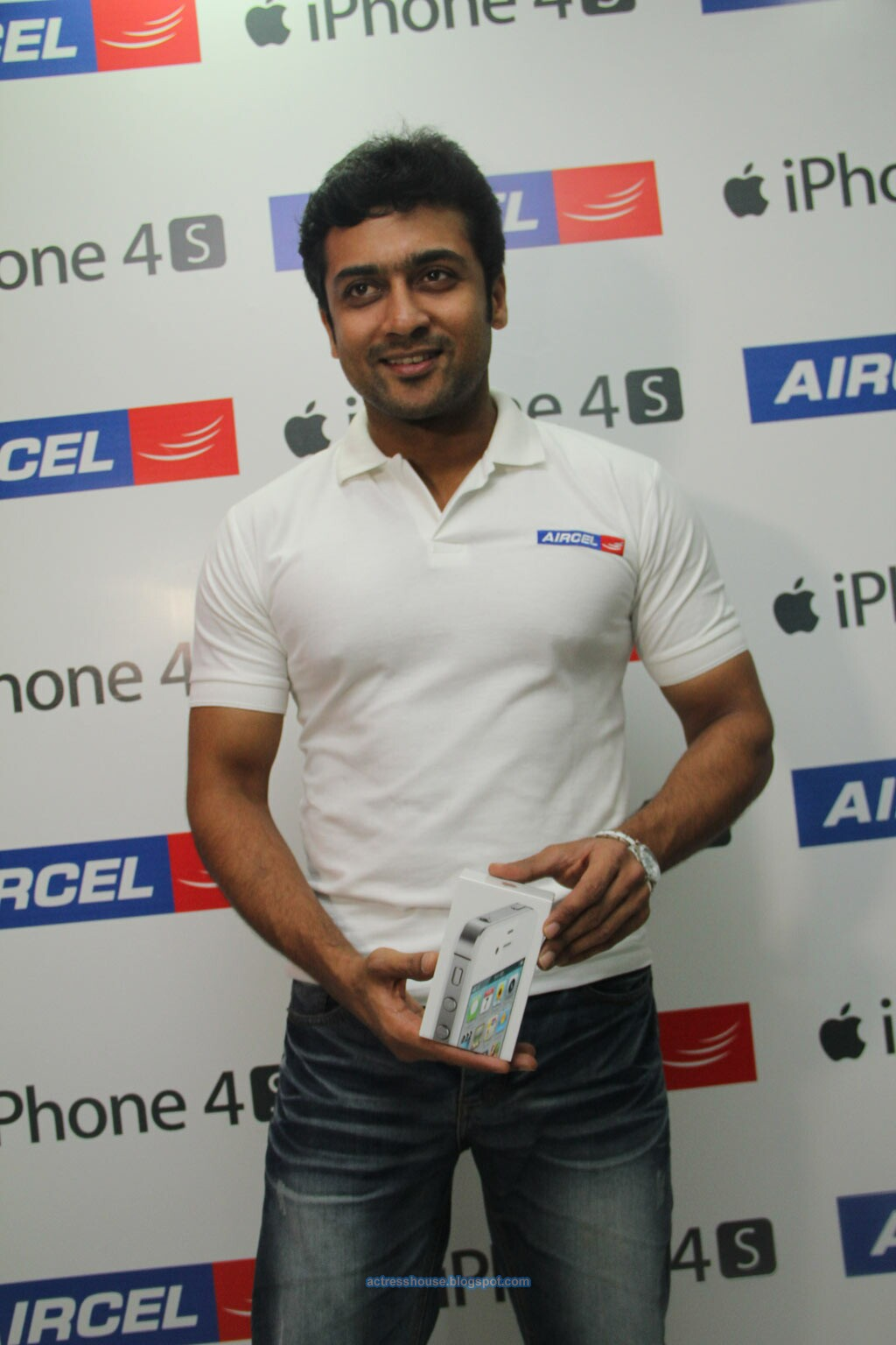 Tamil Actor Surya Launches Aircel Iphone S