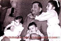 Childhood Pictures: Kareena Kapoor Childhood Pictures