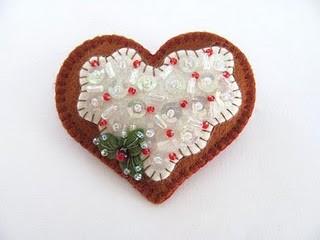 Enfeite árvore de natal em feltro - coração com lantejoulas