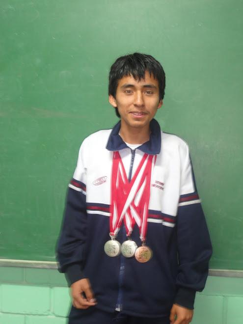 DAVID  FERNANDO SANCHEZ DORREGARAY BISUBCAMPEON NACIONAL OLIMPIADA PERUANA DE BIOLOGIA O.P.B.