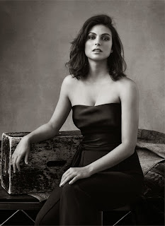 Magazine Photoshoot : Morena Baccarin Photoshot For The Edit Magazine January 2014 Issue