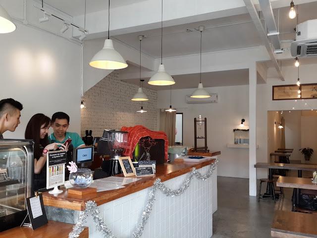 fluffed dessert cafe and bar 3