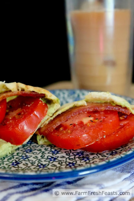 http://www.farmfreshfeasts.com/2015/08/tomato-sandwich-with-bacon-and-avocado.html