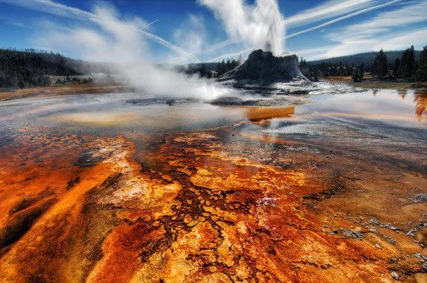 Yellowstone-National Park-Wyomin- USA