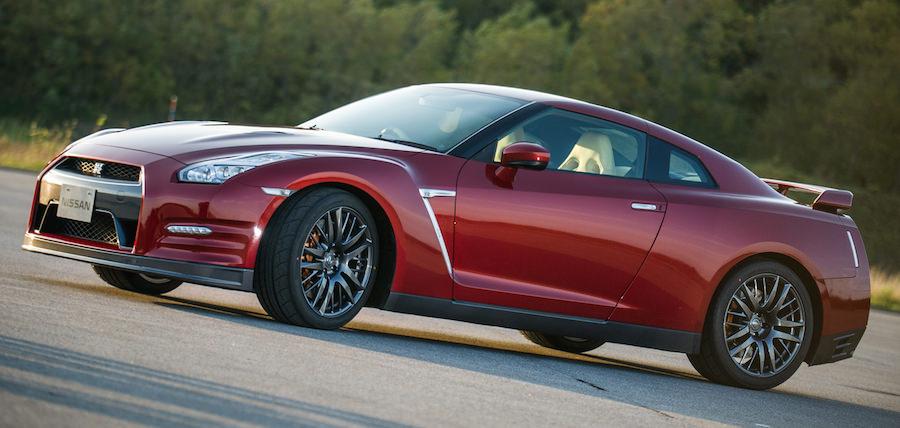 日産GT-Rの2015年モデルが登場!「R34」をイメージした限定車も発売
