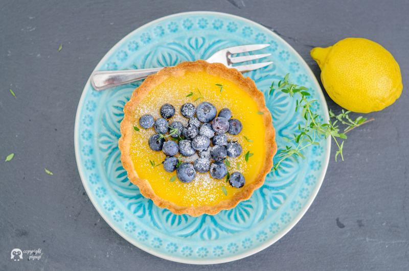 Zitrone Heidelbeer Thymian Tartelettes Curd Sommer Sonne Gelb