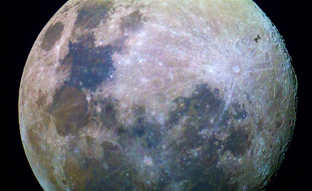 """One more celestial sign of wonder to come before 2016: A rare """"Super Moon"""" on December 25th  STACKED-COLOUR-ISS-ODonnell1024"""