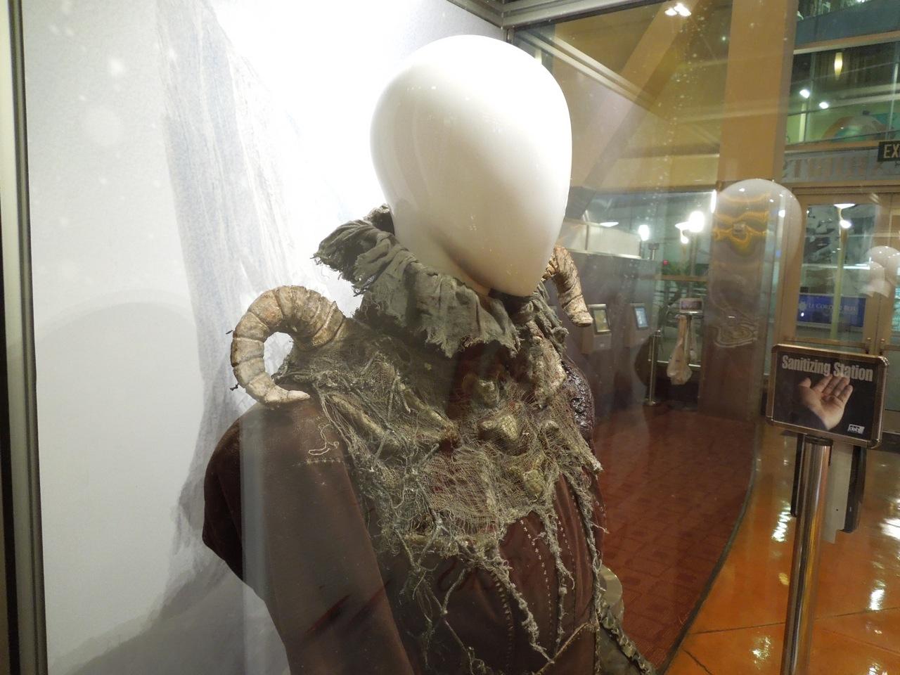 http://2.bp.blogspot.com/-emLEviOL4ng/UQhSIynHA8I/AAAAAAAA_2o/YSmN762dbyg/s1600/witch+costume+Hansel+Gretel.jpg