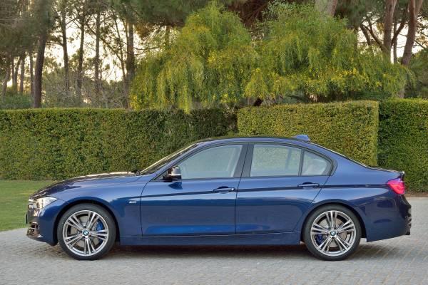 BMW新型3シリーズのスポーツラインサイド画像