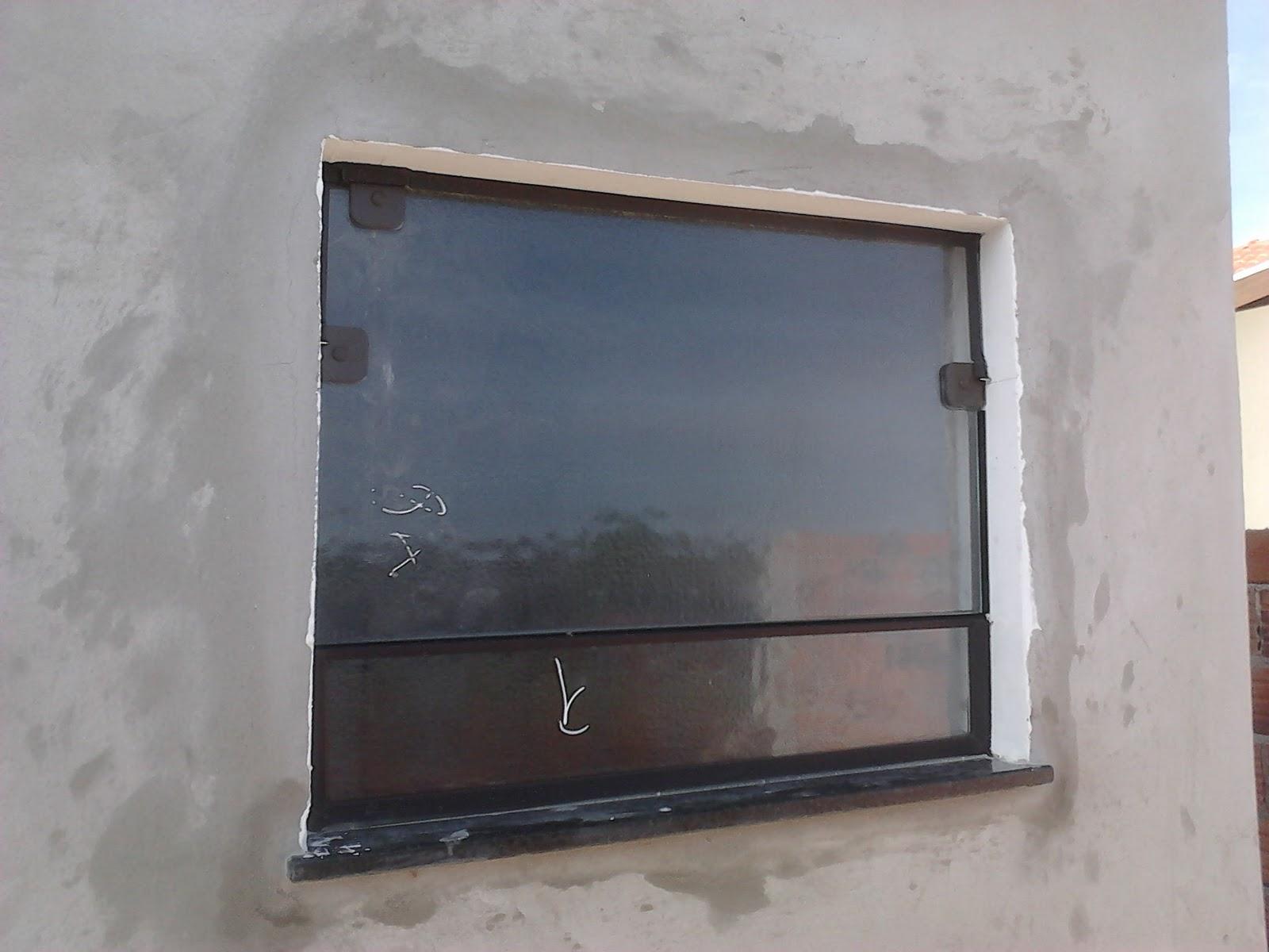 #505C6D FRANCO VIDROS TEMPERADOS: Obra em Ourinhos  1696 Janela De Aluminio Na Cor Bronze