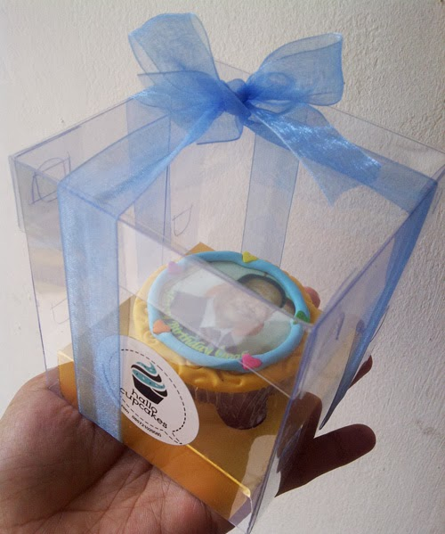 packaging cupcake