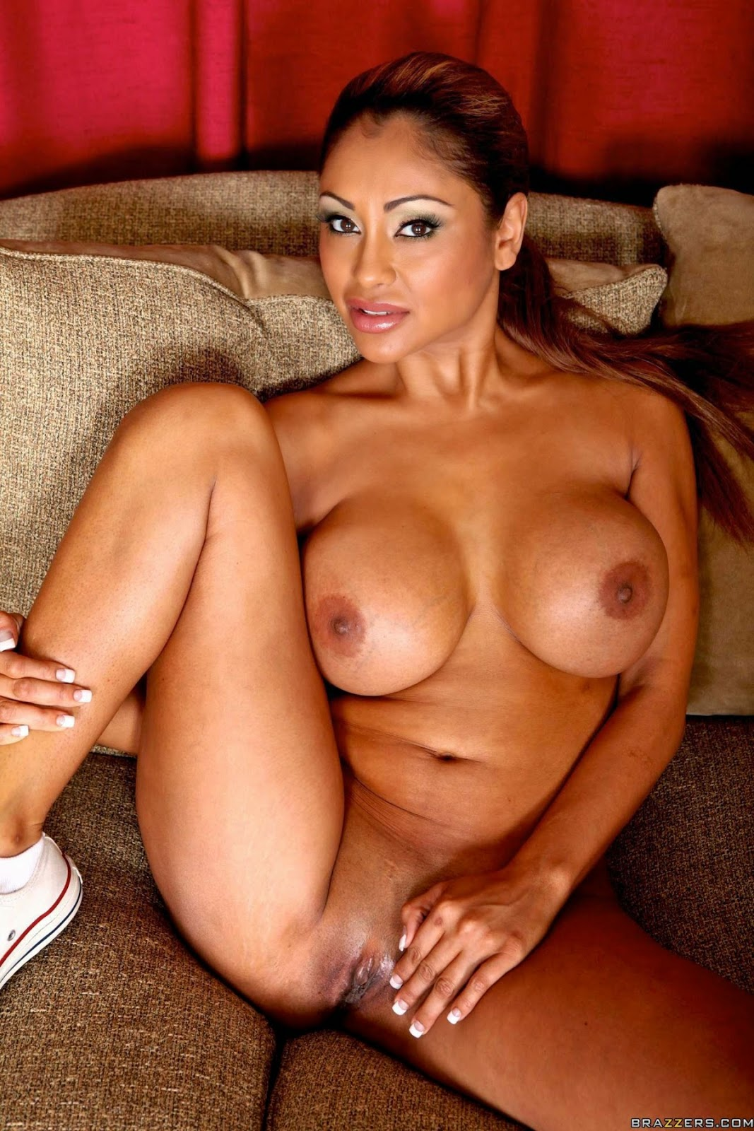 hot priya nude uncensored