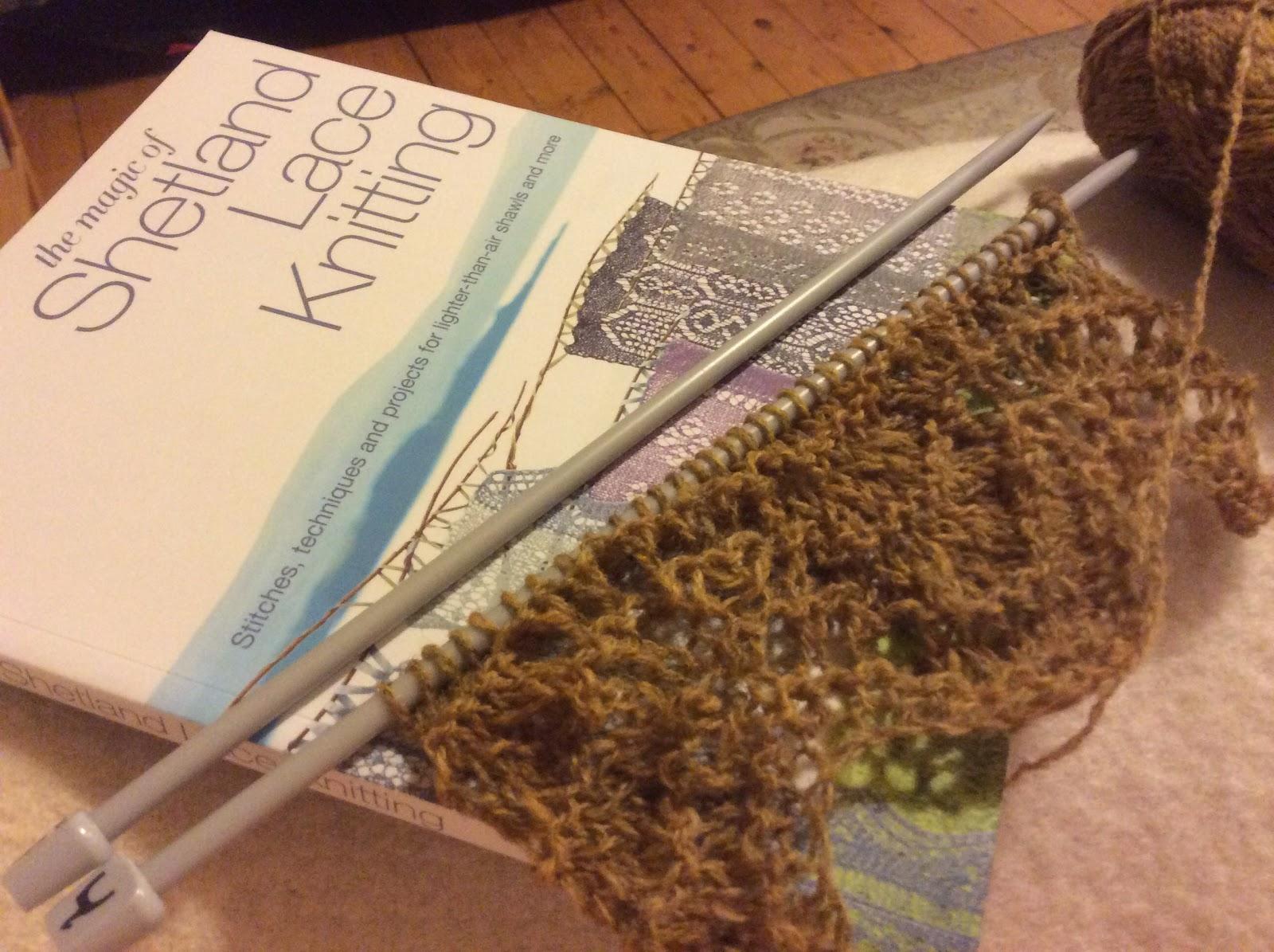 Desperate Reader: The Magic of Shetland Lace Knitting - Elizabeth Lovick