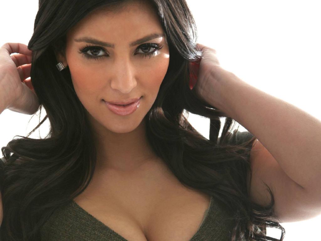 http://2.bp.blogspot.com/-en3VDPSmGfU/TorXxZgeJtI/AAAAAAAABNI/FuwAKgkswdg/s1600/kim_kardashian-hot.jpg