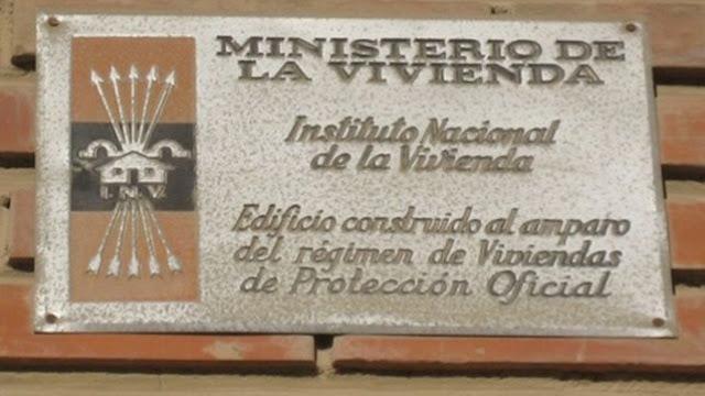 El yugo y las flechas del franquismo sobreviven en las fachadas de España