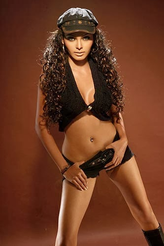 Mona Chopra exposing her hot belly in Black Shorts Unseen rare Hot Pics
