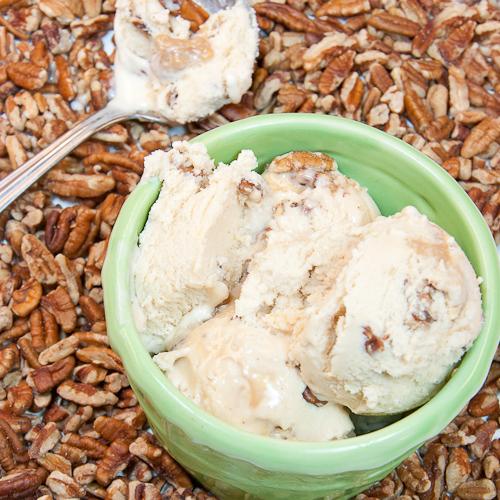 ice cream, pecans, caramel, dulche de leche